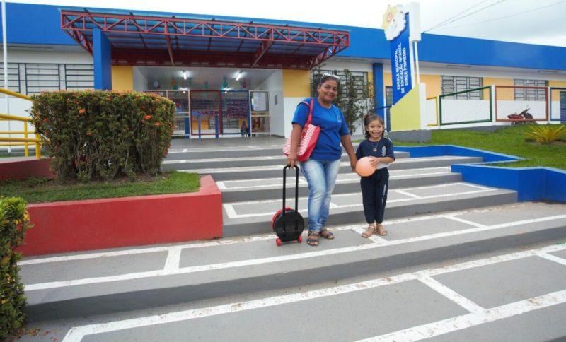 Adail Filho implanta tecnologia de ponta na gestão de escolas de Coari