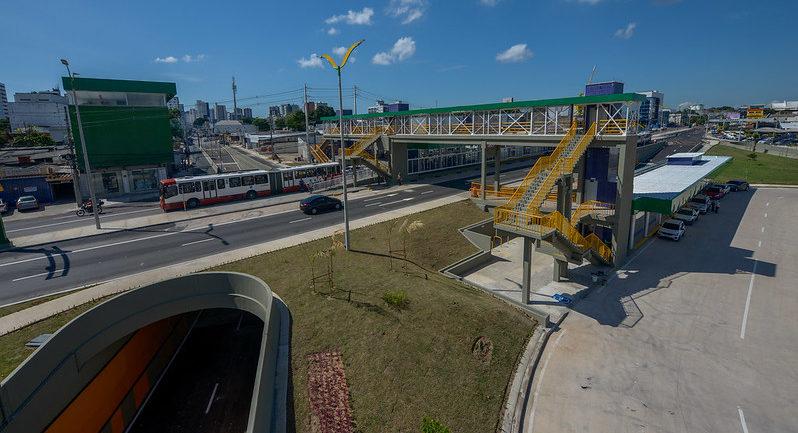 Arthur inaugura complexo viário da C. Nery e lança novas linhas de ônibus
