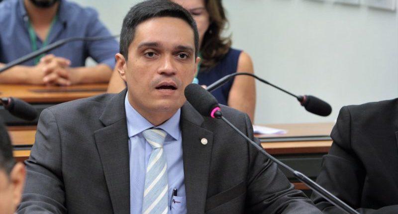 Vai à sanção projeto que suspende pagamentos ao Fies na pandemia