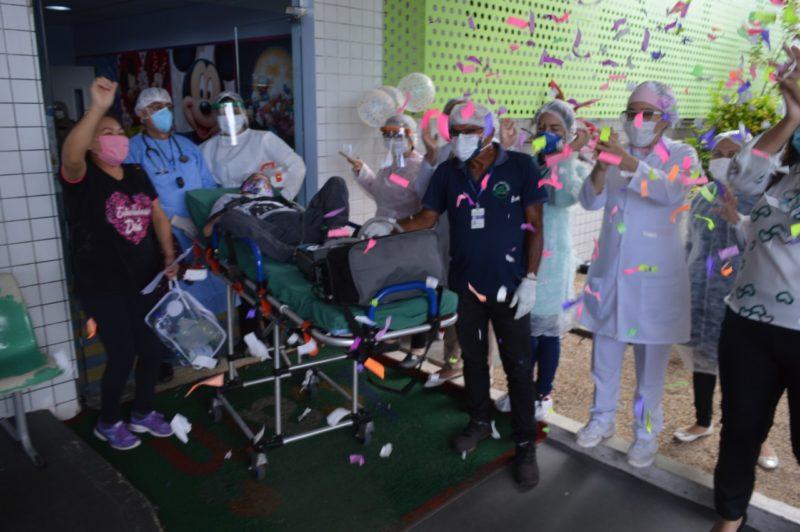 Criança recebe alta em Manaus após nove anos em hospital