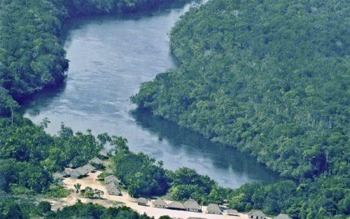 MPF quer multa a órgãos por causa de indígenas do rio Negro
