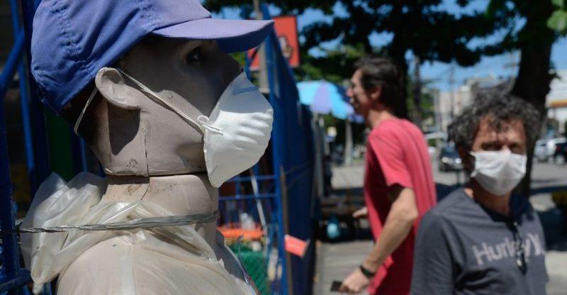 Governadores, em queda, são aprovados por 44% durante pandemia