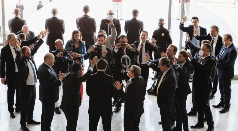 Bolsonaro, Malafaia e R.R Soares oram por STF, Congresso e Planalto