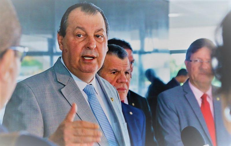Parlamentares do AM condenam MP para MEC escolher reitores sem eleição