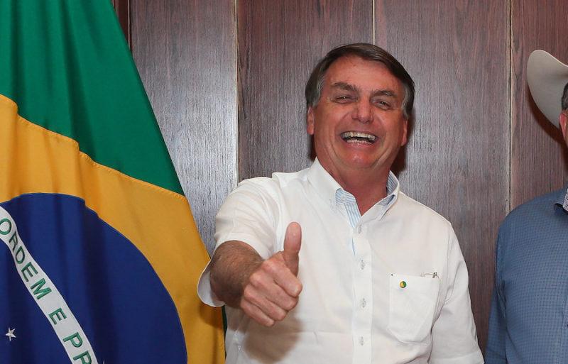 Com quase 50% de desaprovação, Bolsonaro é favorito e seria reeleito em 2022