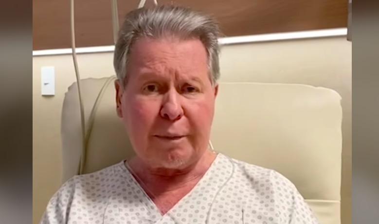 Arthur se recupera bem docoronavírus, mas não tem previsão de alta