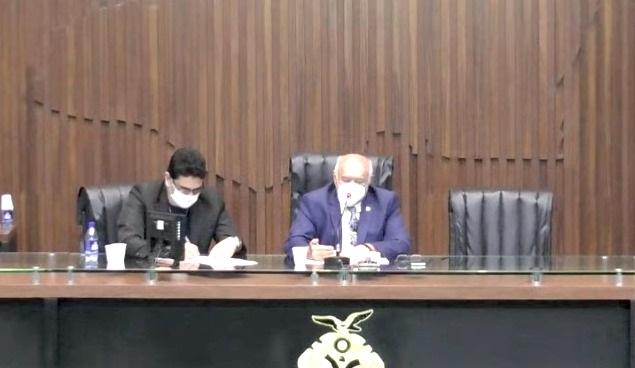 Confusa, comissão do impeachment adia escolha de presidente e relator