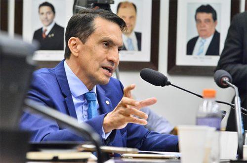 Deputado é contra corte orçamentário na Saúde e Educação em 2021