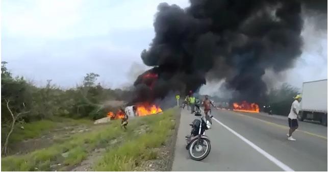 Sete morrem e 50 são feridos em explosão ao saquear combustível