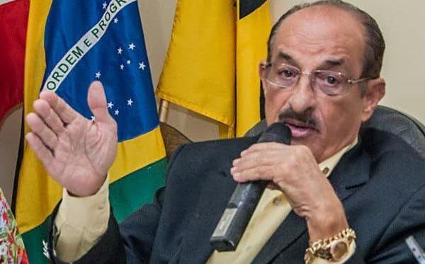 """""""Morra quem morrer"""", mas prefeito manda reabrir comércio"""