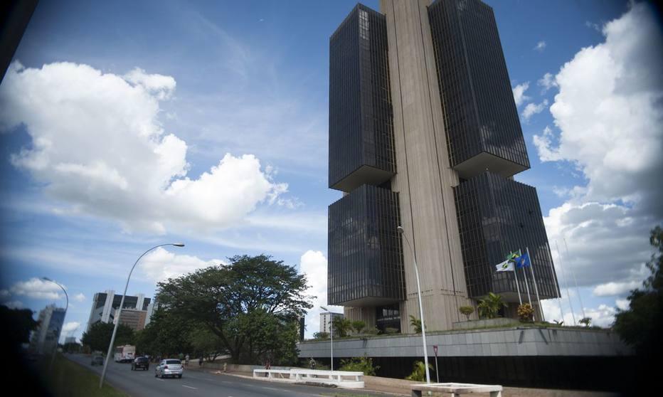 Banco Central divulga prévia do PIB e aponta início de recessão