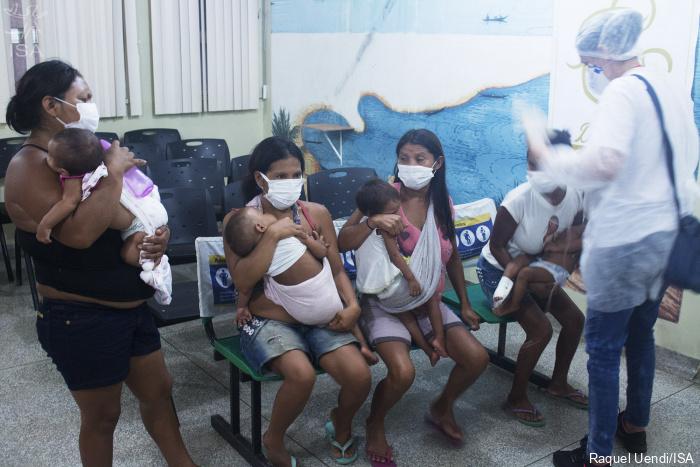 Bebês yanomâmi são internados com coronavírus em São Gabriel