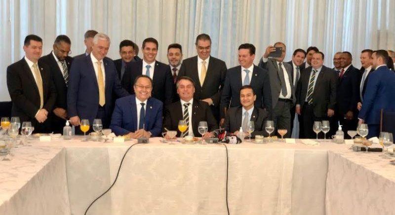 Bolsonaro promete manter o seguro-defeso fora do Renda Brasil