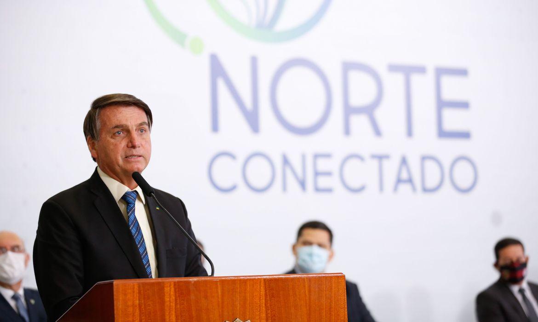 Bolsonaro promete fibra óptica de banda larga de Manaus a Santarém