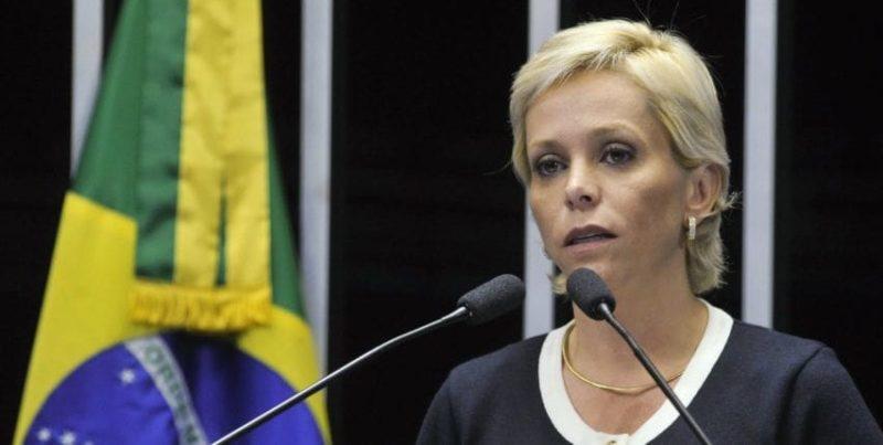 Ex-deputada Cristiane Brasil se apresenta à polícia, esbravejando