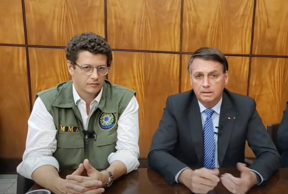 Bolsonaro diz que recusou dinheiro para Amazônia pela soberania