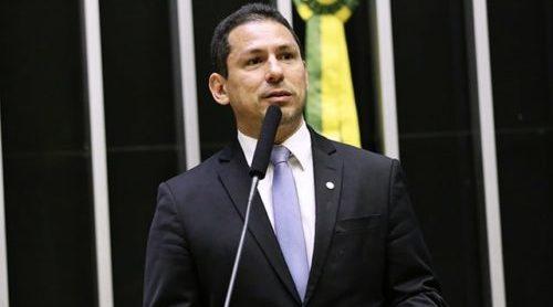 """Marcelo Ramos diz que Salles é um ministro """"bate-boca de botequim"""""""