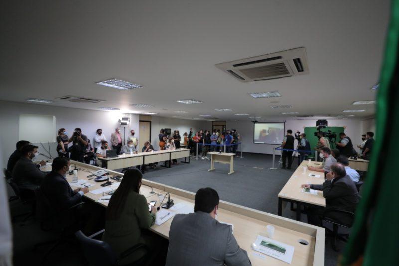 Sancionada lei que autoriza concessões florestais no Amazonas