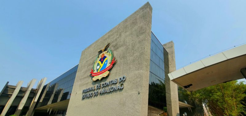 TCE-AM ergue monumento para homenagear profissionais de saúde