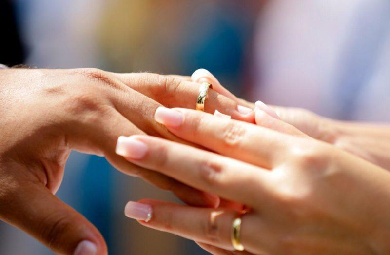 Casamentos civis em praias, balneários e bares estão desautorizados no AM
