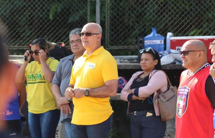 Patriota adia convenção à espera do vice de Menezes