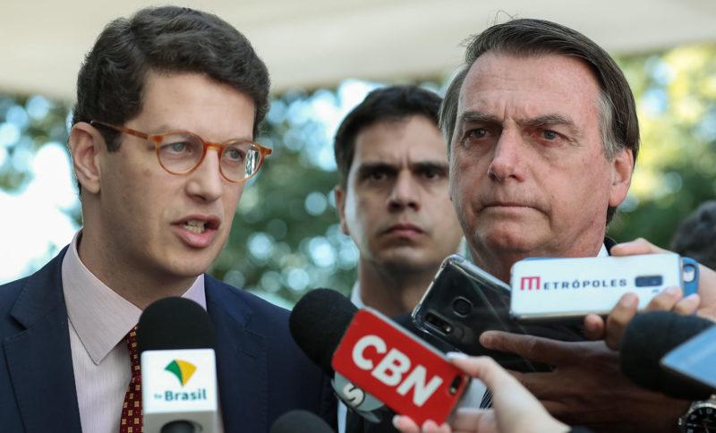Oposição tenta derrubar decreto de Salles que dificulta multas ambientais