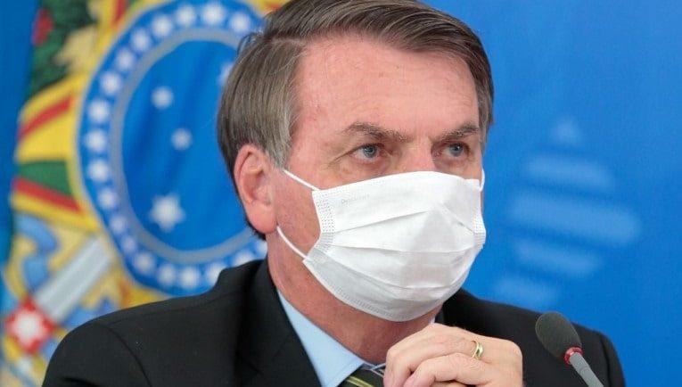 Bolsonaro elege uso da máscara como novo alvo para criar caso