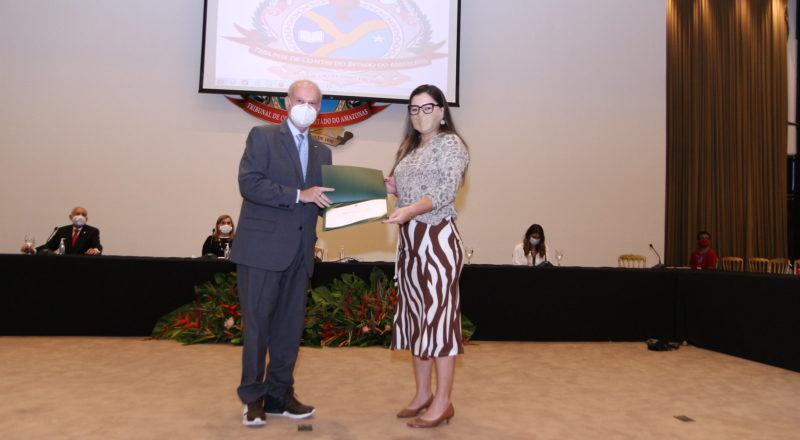 TCE-AM homenageia enfermeiros e médicos pela luta contra coronavírus