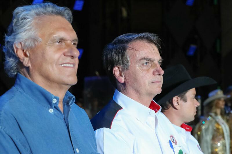 """Bolsonaro defende """"boi-bombeiro"""" para reduzir incêndios no Pantanal"""