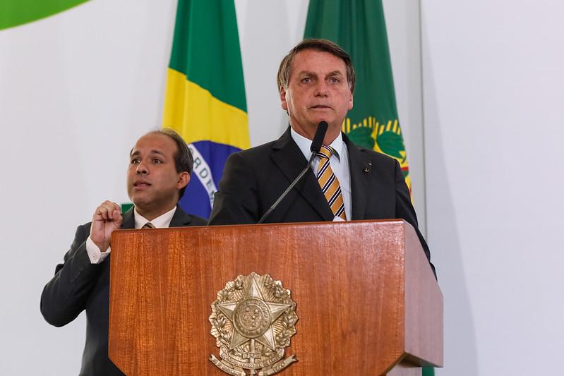 """""""Bolsonaro em 2018 foi acidente, não existe bolsonarismo"""", diz âncora da Globo"""