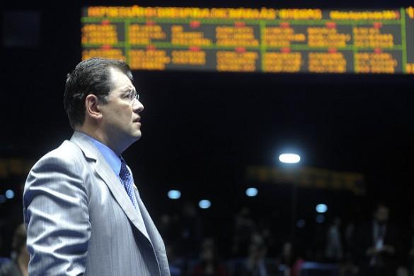 Ex-ministro de Minas e Energia, Braga vê gambiarra em apagão no Amapá
