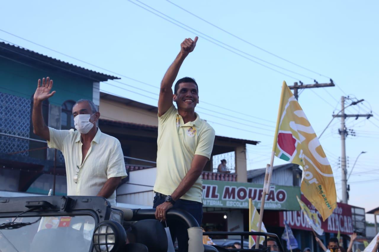 Júnior Leite encerra campanha com buzinaço histórico em Maués