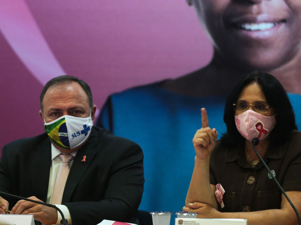 Se Bolsonaro leu post, Pazuello corre risco de ser demitido
