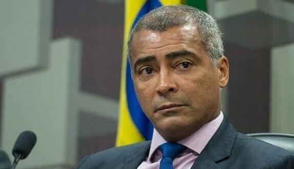 Senador Romário posta vídeo dando apoio a Amazonino Mendes