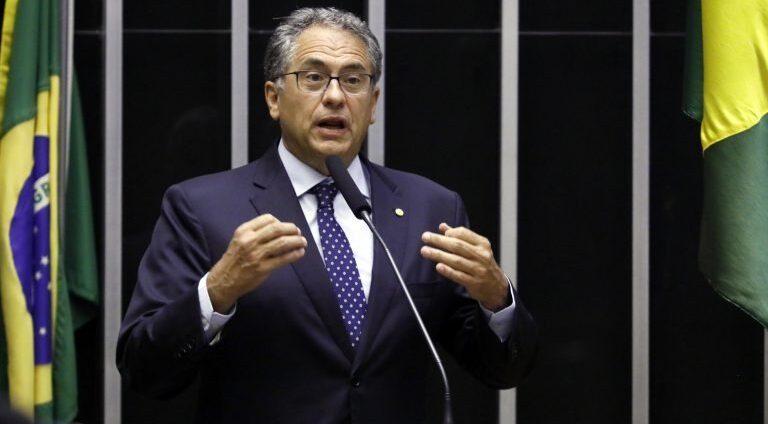 Projeto de deputado paulista obstrui fabricação de lâmpadas na ZFM