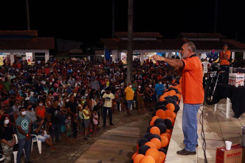 Nem aí para a covid, senador de Roraima faz é festa com aglomeração