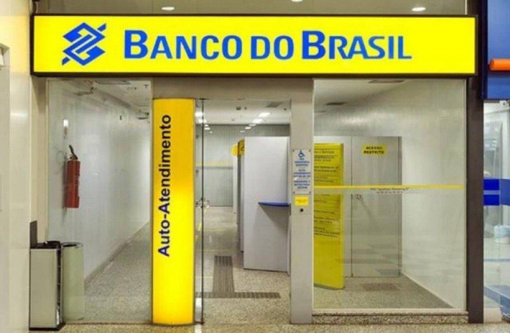 Banco do governo fecha agências e vai demitir 5 mil funcionários