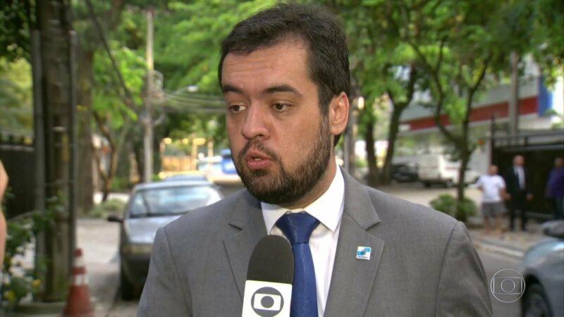 Governador contraria STJ e dá aumento de 11% para o afastado Witzel
