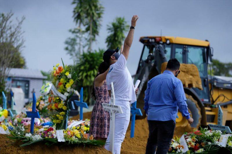 Covid impõe a Manaus mais um dia de alto número de sepultamentos: 102