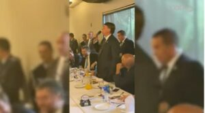 Bolsonaro reage sobre leite condensado: 'É pra enfiar no rabo da imprensa'