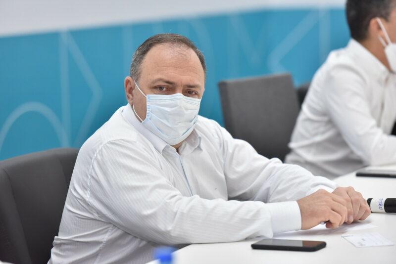 Sem vacina, Ministério da Saúde entrega agulhas e seringas para AM