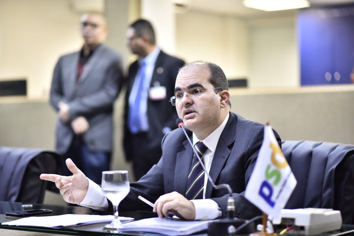 Nicolau defende que governador e prefeito comprem vacina para AM