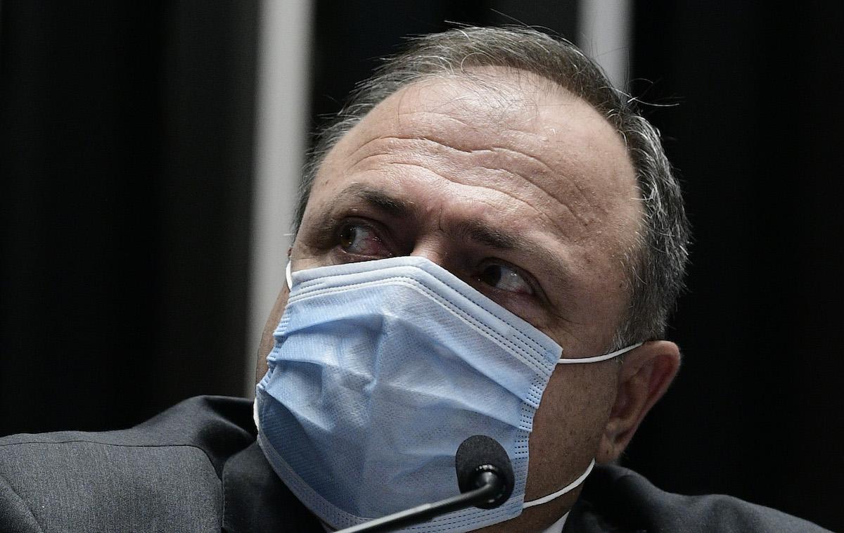 Pazuello ignorou pedido da White Martins para transportar oxigênio ao AM