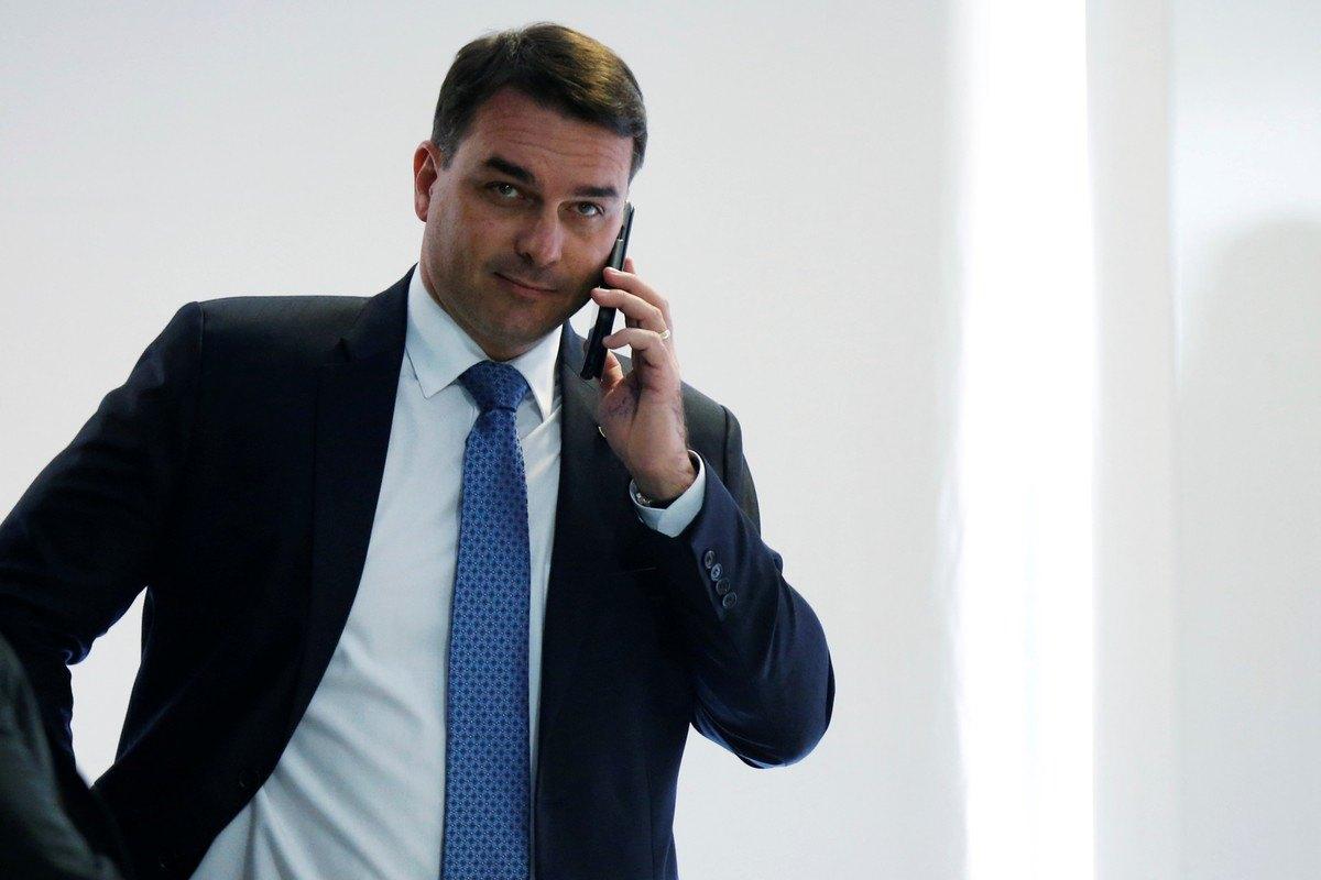 STJ derruba pedido de quebra de sigilos de Flávio Bolsonaro