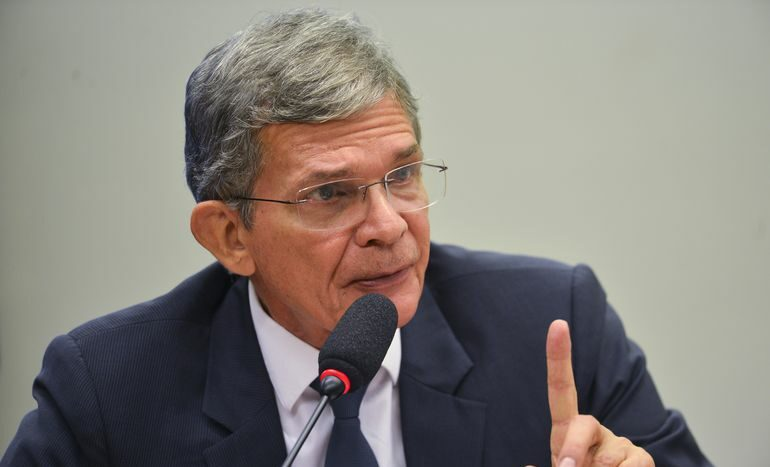 Bolsonaro indica general Joaquim Luna ao comando da Petrobrás