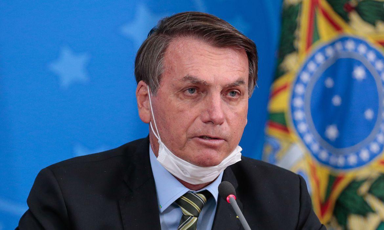 PDT aponta Bolsonaro com mente prejudicada e pede interdição