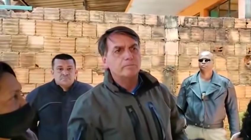"""Para Bolsonaro, Dória é """"patife"""" por fazer restrições contra covid"""