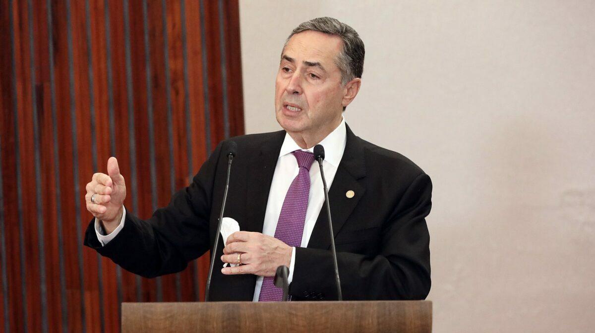 Presidente do TSE desafia Bolsonaro a provar fraude nas eleições 2018