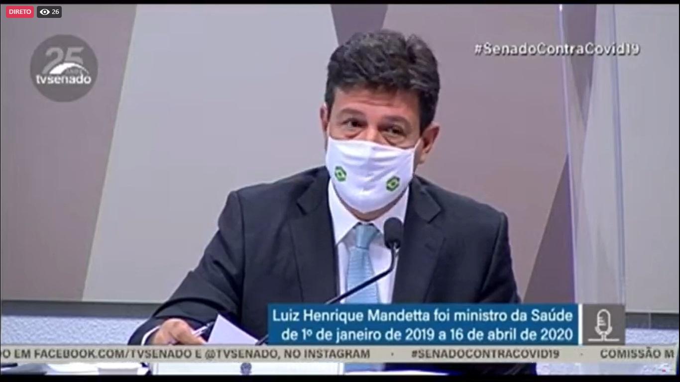 Bolsonaro queria mudar bula da cloroquina por decreto, revela Mandetta