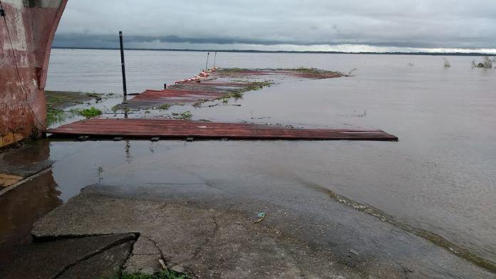 Rio Amazonas deixa Parintins a 29 cm da maior cheia da história
